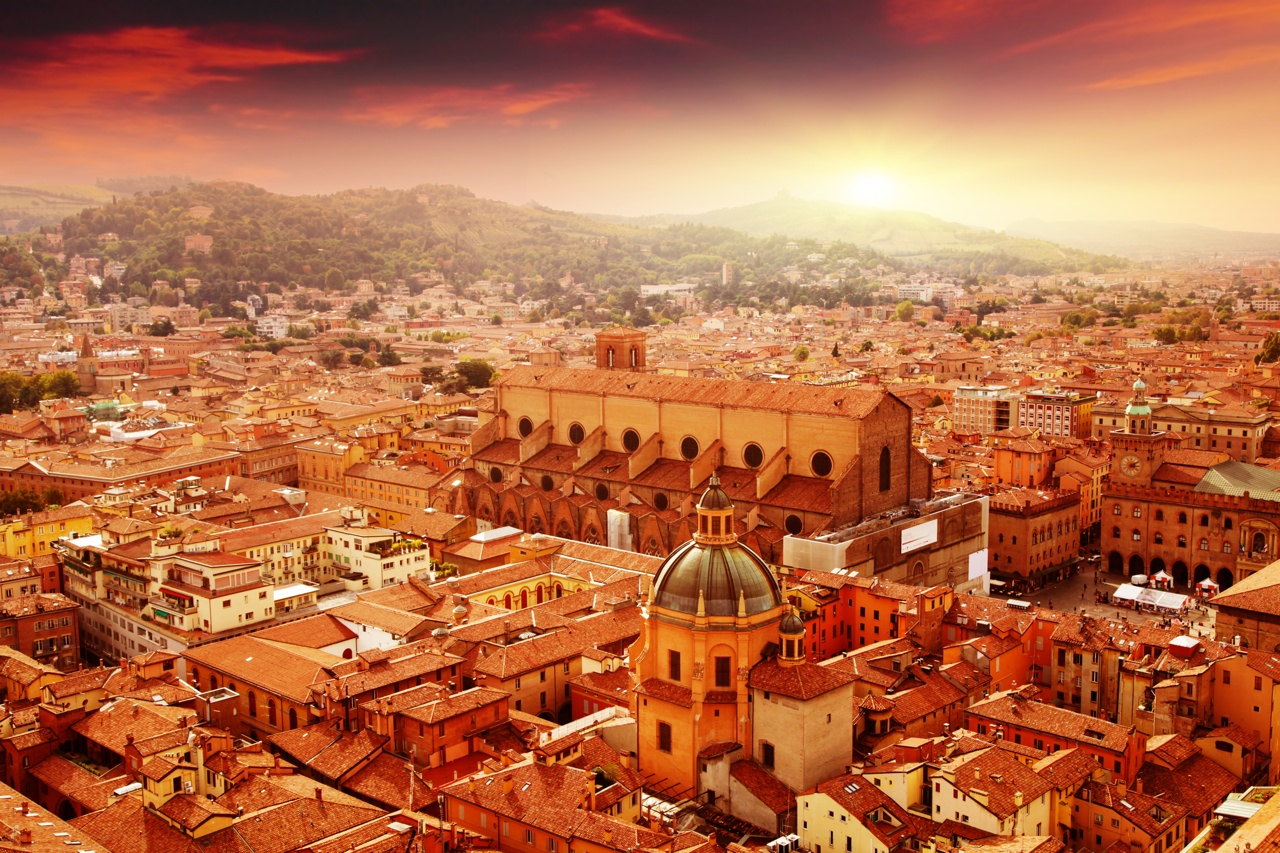 Italy Bologna Болонья (Bologna, Italy) - Путеводитель по Болонье, Италия - достопримечательности, туристические маршруты по Болонье, карта Болоньи