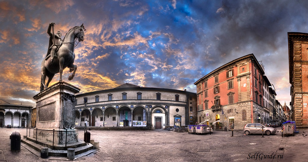 Площадь Сантиссима-Аннунциата (Piazza della Santissima-Annunziata)