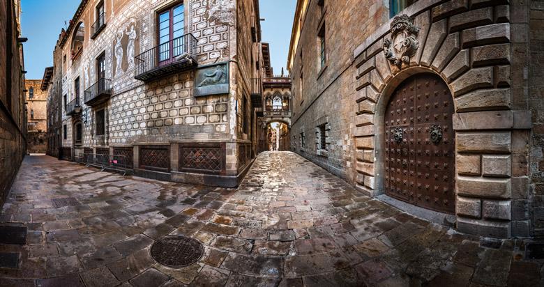 Туристический маршрут: Готический квартал Барселоны